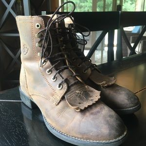 Used Ariat Lace Up Roper Boots